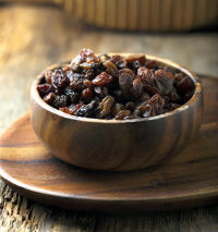 raisins in a bowl